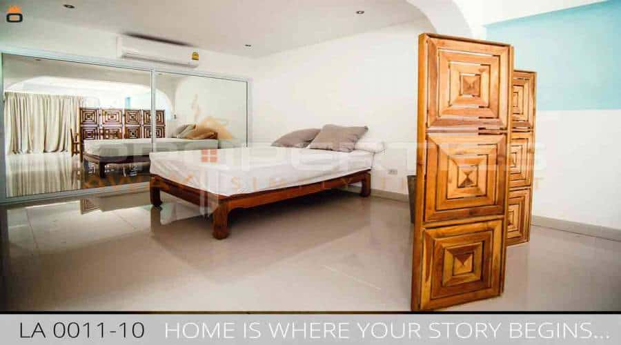 PROPERTIES AWAY 3 BEDROOM VILLA WITH POOL KOH SAMUI - LAMAI