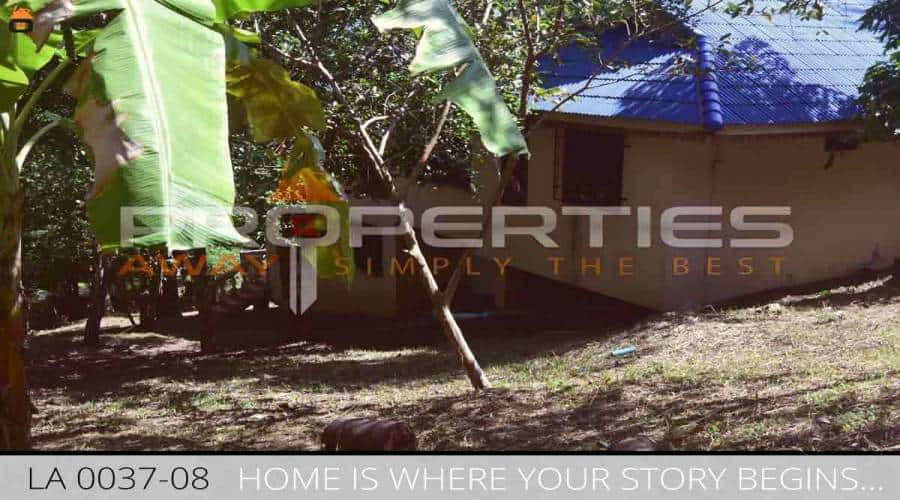 PROPERTIES AWAY 1 RAI LAND WITH 2 SINGLE 2 BEDROOM HOUSES KOH SAMUI